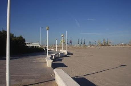 playa-canina-de-pinedo-en-valencia