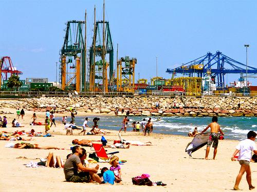 playa para perros de Valencia en Pinedo