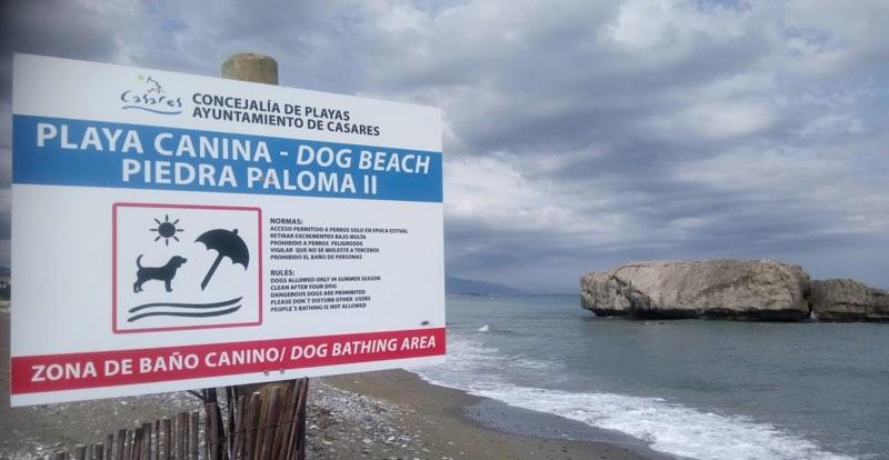 Playa canina de Piedra Paloma en Casares Málaga