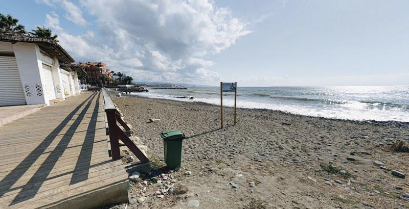 Playa para perros en Ventura de Mar Marbella Málaga