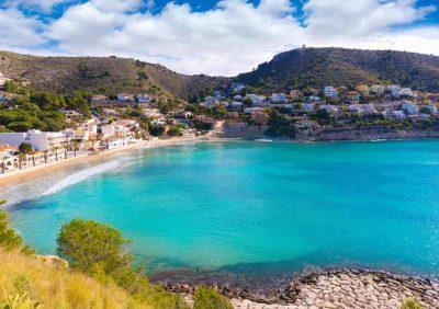 112 alojamientos en Moraira para ir con tu perro de vacaciones en verano