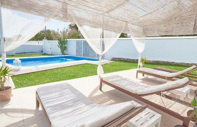 Hotel Restaurante La Breña acepta mascotas y es perfecto para ir de vacaciones en la provincia de Cadiz