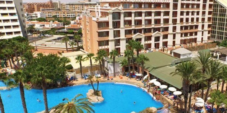 Descubre muchos hoteles que admiten perros como este en la provincia de Almería para ir de vacaciones