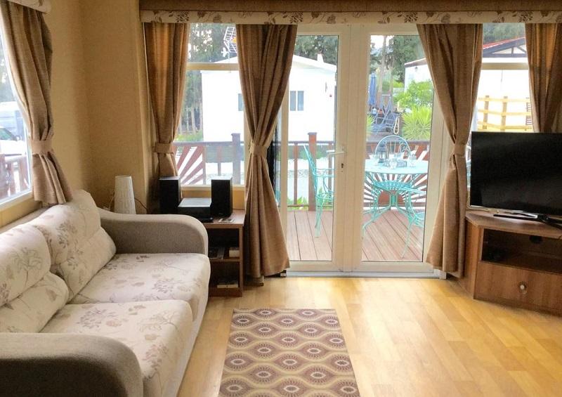 Foto de un bungalow de mucha calidad en camping Monte Parc