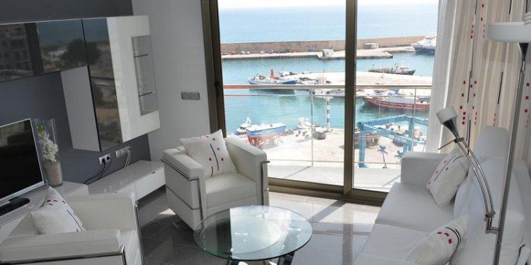 Foto de las vistas al puerto deportivo desde un apartamento que admite perros gratis en la provincia de Tarragona