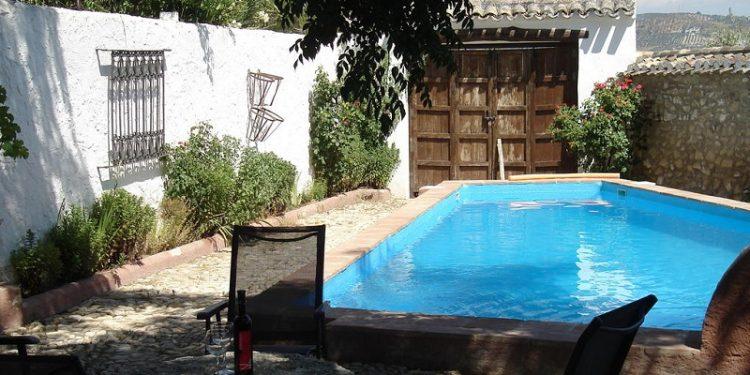 Foto del exterior de Cortijo Molino los Justos, uno de los mejores apartamentos que admite mascotas gratis en nuestro listado