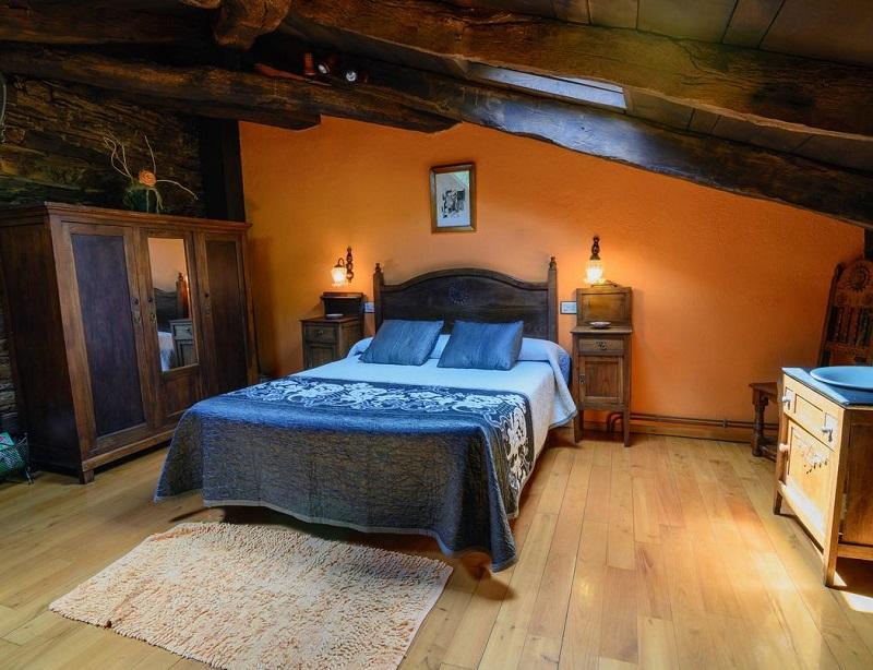 Foto de una habitación en Apartamentos Rurales Casa Riveras donde admiten perros gratis en la provincia de Asturias