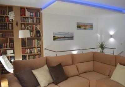 Foto del interior de un apartamento con un interior increible y unas valoraciones fantásticas