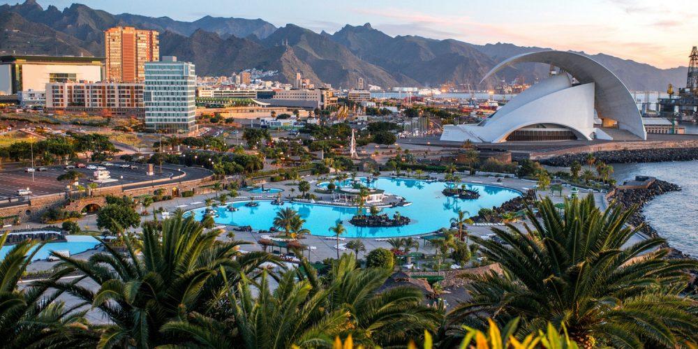 Foto desde lejos de Santa Cruz de Tenerife
