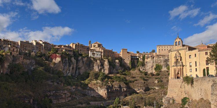 Vista de la ciudad de Cuenca desde lejos
