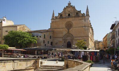 Foto de Felanich donde se puede ver que es un pequeño pueblo de Mallorca