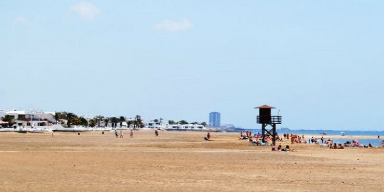 Foto de la playa de la Guacimeta en Lanzarote