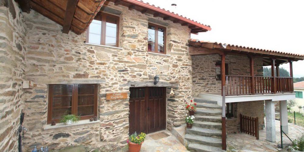 Casa rural en Doade en la provincia de Lugo ideal para ir con tu mascota, disfrutar del campo y no pagar suplementos por tu mascota