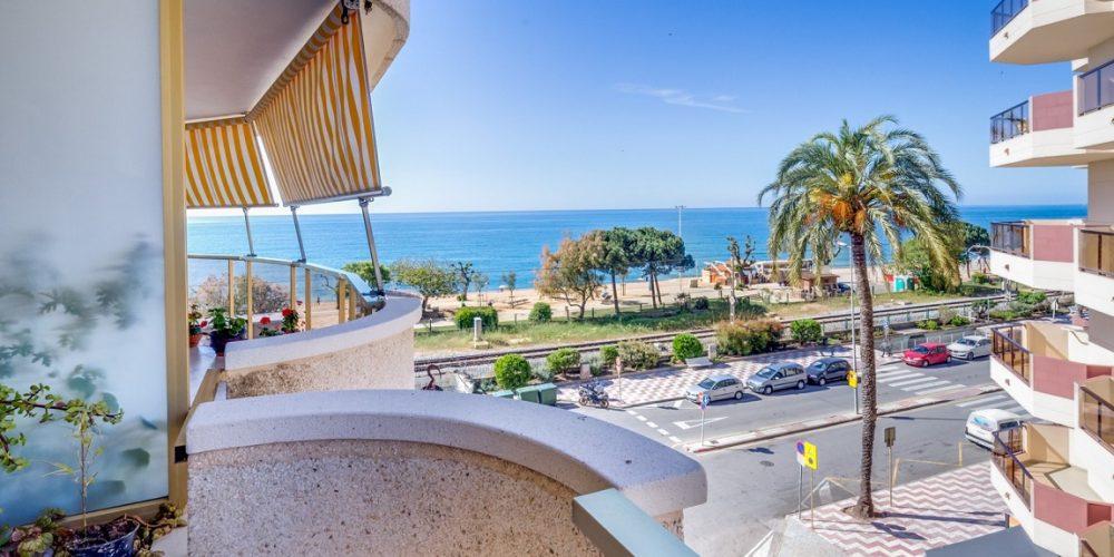 Apartamentos que admiten mascotas en Pineda de Mar muy cerca de la playa en la Costa Brava