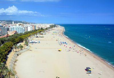 Hoteles que admiten mascota en Santa Susanna para disfrutar de la playa de Barcelona con tu perro