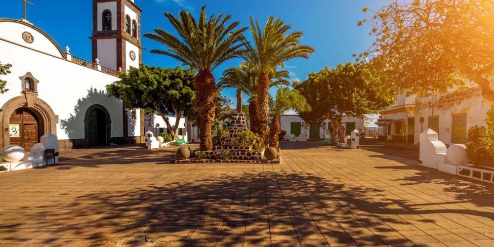 Apartamentos que admiten mascotas en Arrecife, un pueblo marinera con mucho encanto en Lanzarote