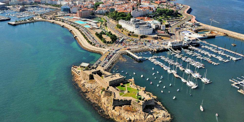 Hoteles que admiten mascotas en la ciudad de A Coruña donde hemos seleccionado nuestro listado con los mejores