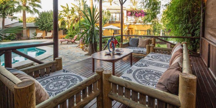 Villas que admiten mascotas en la Costa del Sol para disfrutar de la playa con tu perro