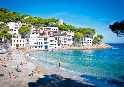 Hoteles que admiten mascotas en L'Estartit ideales para disfrutar de la playa con tu mascota