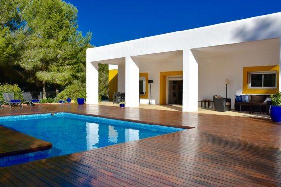 Apartamentos que admiten mascotas en la Islas de Ibiza para estas vacaciones de verano