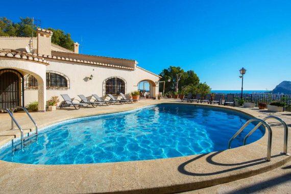 Villas y bungalows para ir con perros a Calpe de vacaciones