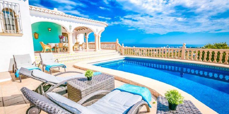 Villas y chalets en Javea para ir de vacaciones con tu mascota este verano