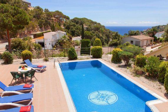 Villas y casas que aceptan mascotas en Tossa de Mar para ir a la Costa Brava